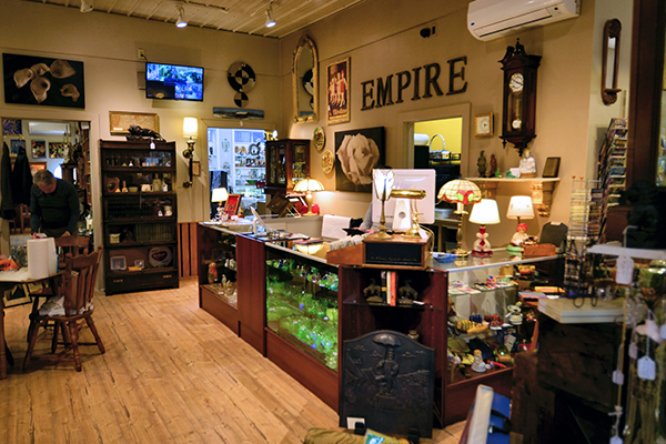 Antique-Dealers-In-The-Berkshires